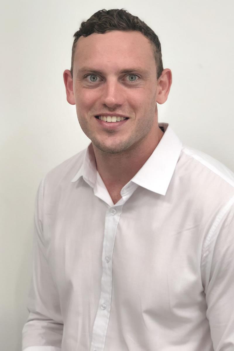 Dr Angus Phelps